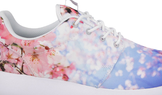 WOMEN'S SHOES NIKE ROSHE ONE CHERRY BLOSSOM PACK 819960 100